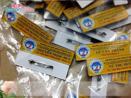 lam bang ten nhan vien ha noi sieu re 1 In thẻ tên nhân viên, làm bảng tên nhân viên giá rẻ nhất