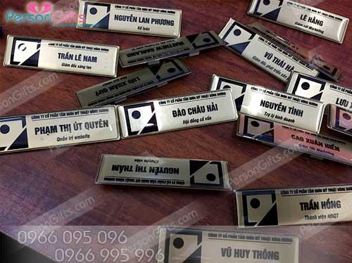11 In thẻ tên nhân viên loại cố định